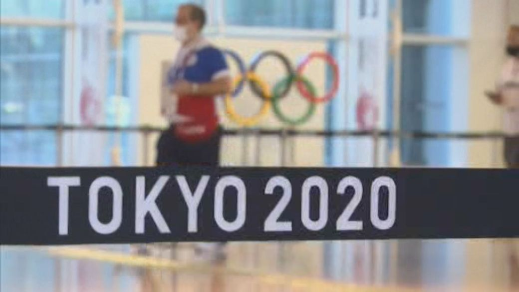 Click to play video: 'Alarm rises in Tokyo's Olympic Village after 2 athletes test positive for COVID-19'