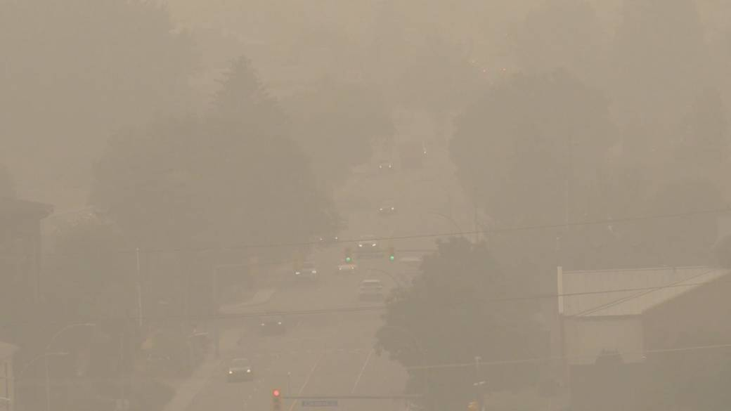 Click to play video: 'Okanagan air quality a 'very high' heath risk due to smoke from U.S. wildfires'