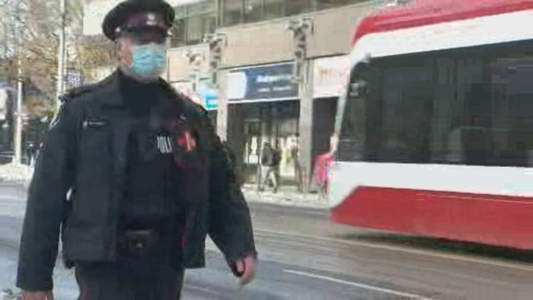 Click to play video 'Mixed opinions over police body-worn cameras in Canada'