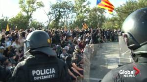 Catalan separatists block roads in second day of protests