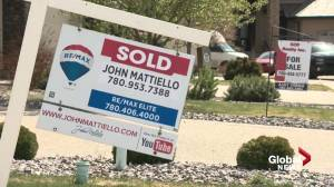 Hot housing market in Edmonton leaves potential buyers scrambling (01:48)