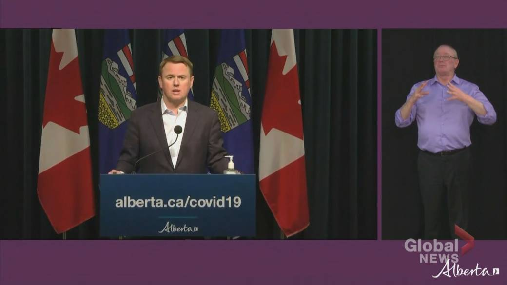 Click to play video 'Alberta health minister says province has capacity for COVID-19 vaccine rollout but faces shipment restrictions'