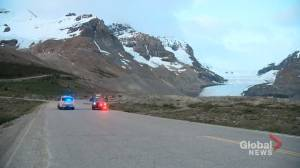 Large emergency response to deadly sightseeing bus rollover at Columbia Icefields near Jasper