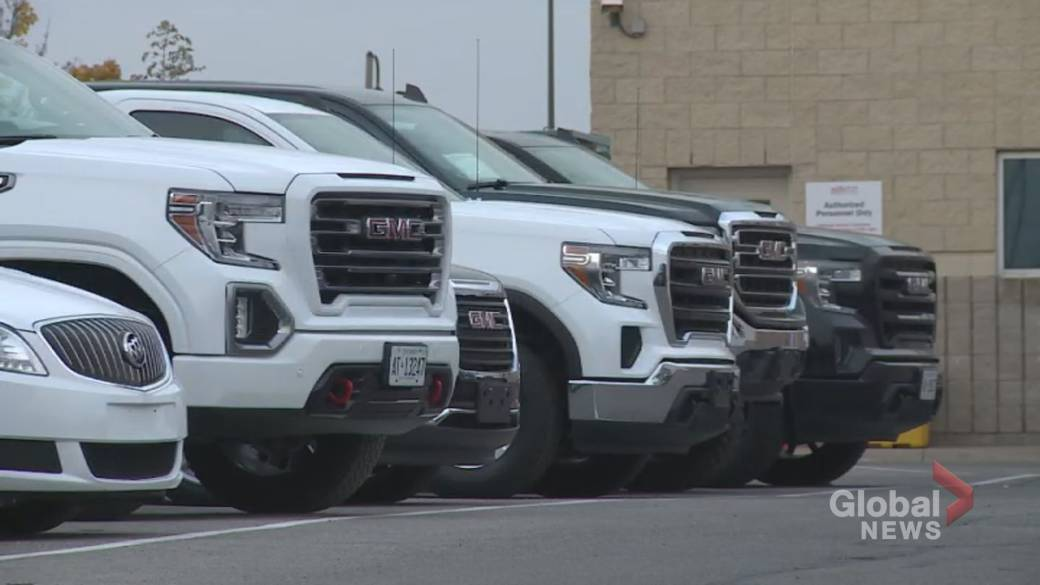 Click to play video: 'Used car shortage pushes prices to' crazy 'levels