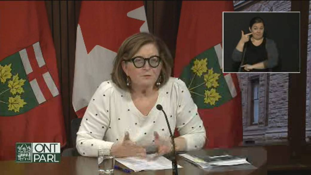 Click to play video 'Coronavirus: Ontario health official addresses change on policy over Pfizer vaccine doses'