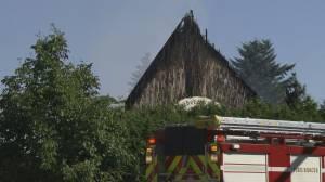 Suspicious fire destroys Orthodox church in Surrey (01:48)