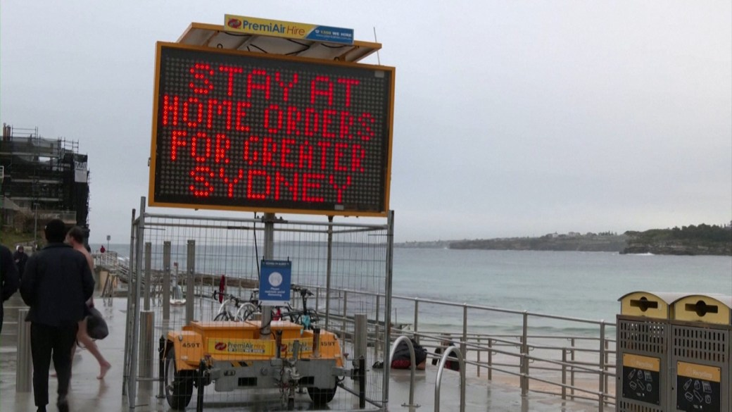 Click to play video: 'Australia's COVID-19 emergency escalates as Sydney lockdown to likely extend'