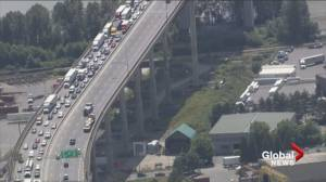 Heavy traffic on Alex Fraser Bridge after driver attacked by passenger
