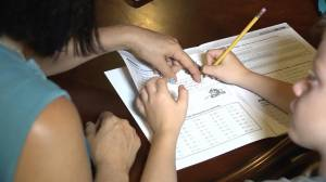 Parents, teachers react to news that Winnipeg, Brandon schools closing (01:34)