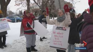 Alberta nurses rally to protect their jobs