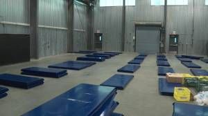 Temporary homeless shelter opening in Edmonton's Ritchie neighbourhood (02:03)