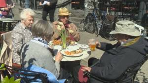 With indoor dining ban, B.C. restaurants look to patio expansion to survive (01:42)