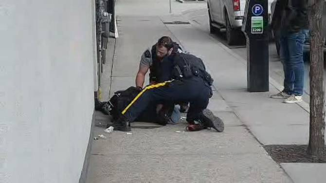 Click to play video: Kelowna frontline RCMP officers dealing with increasing number of overdose calls