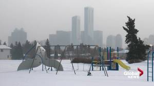 Edmonton activates extreme weather response as -30 temperatures move in (01:43)