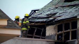 Fire tears through Academie Sainte-Anne in Dorval