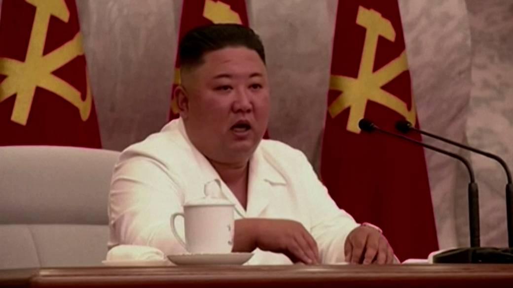 Click to play video 'Kim Jong Un praises North Korea's COVID response'