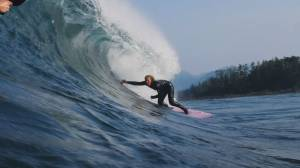 Canadian teen surfer becomes first female to conquer 'The Slab' (02:55)