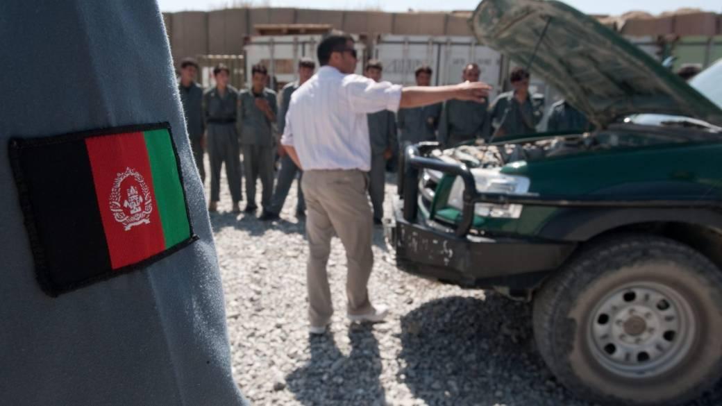 'Afghan interpreters look   decease  threats from Taliban aft  U.S. troops leave'