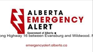 Alberta Emergency Alert issued over Evansburg wildfire (01:02)