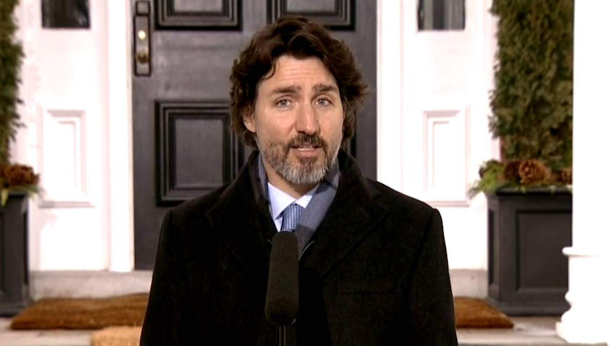 Click to play video 'PM Trudeau comments on possibility of triggering an election'
