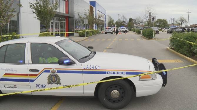 Click to play video: Shooting outside busy Langley mall Monday afternoon