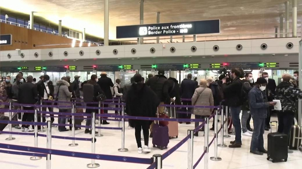 Click to play video: 'COVID-19: EU countries clear plan to ease cross-border tourism over summer'