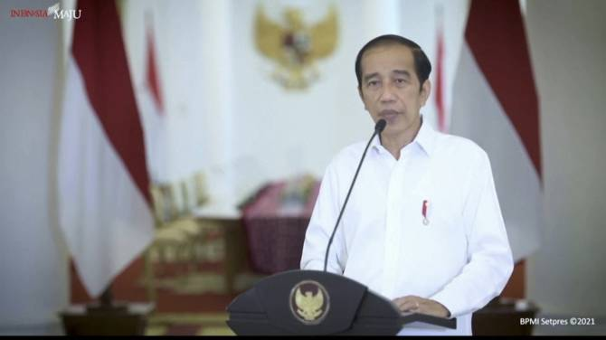 Click to play video: Indonesia president condemns church attack that injured 14 as 'terrorism'