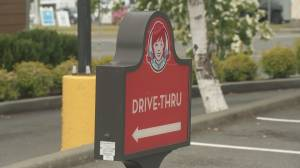 Man flies into rage after B.C. drive-thru forgets mustard on burger (00:56)