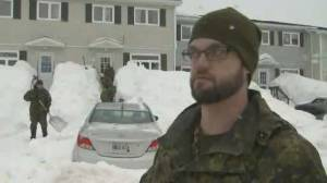 Canadian troops help Newfoundlanders combat snow