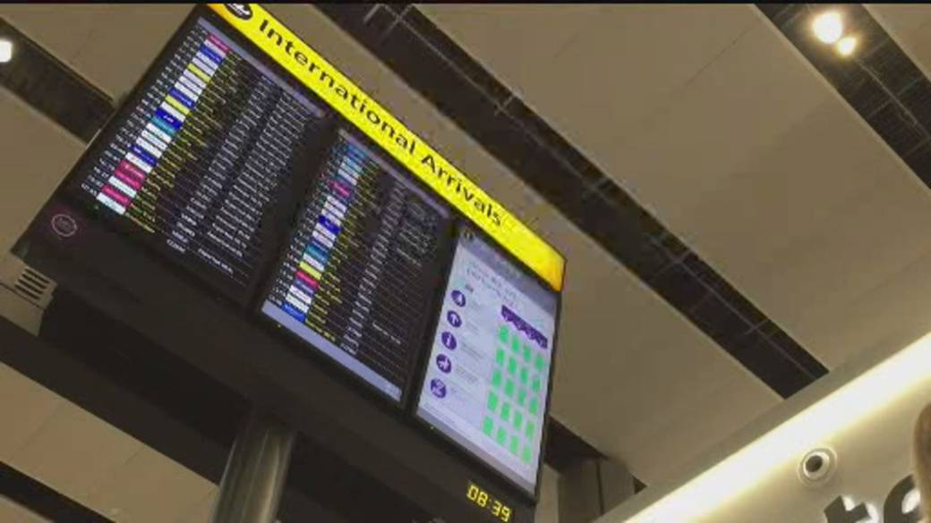 Click to play video 'Europe moves to standardize air travel rules during pandemic'