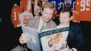 Walter Gretzky, father of hockey's 'Great One,' laid to rest (02:54)
