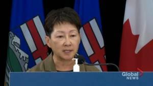 COVID-19: Alberta intensive care units reach historic capacity, according to AHS CEO (01:17)