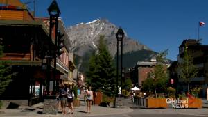 Coronavirus: Banff council passes bylaw that requires mask use indoors and outside