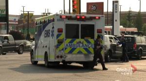 Calgary police rush man to hospital with 45-minute wait for ambulance (01:56)