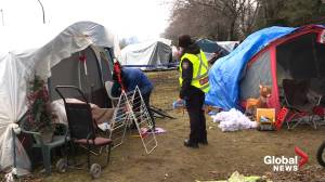 Fire breaks out in Montreal tent city homeless camp (02:33)