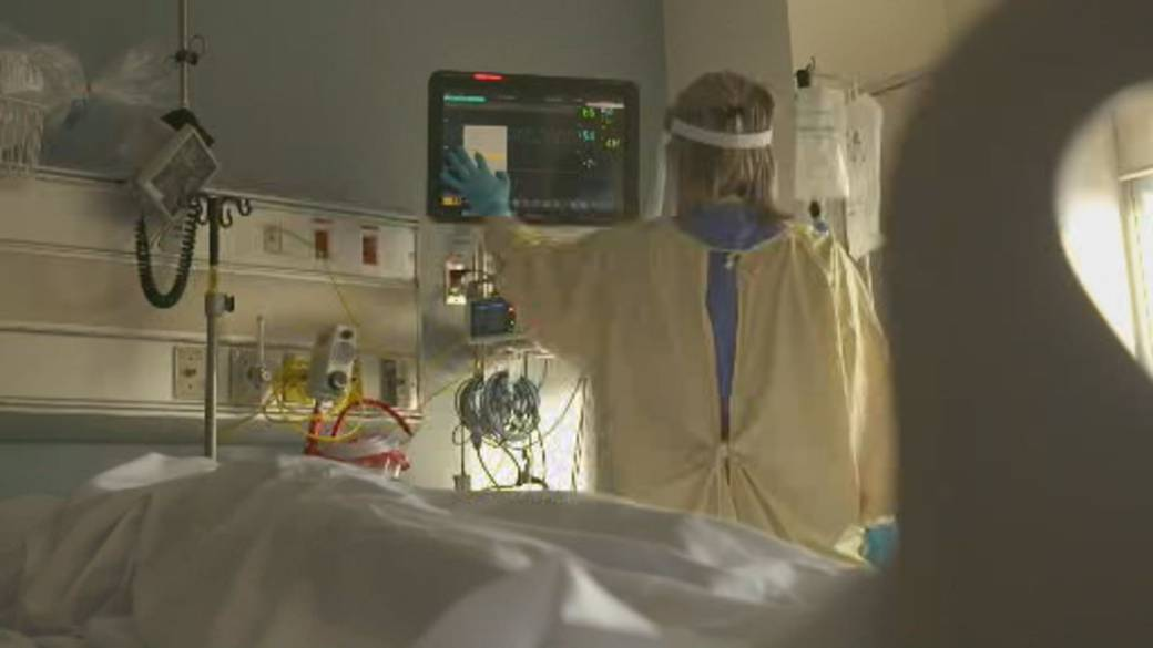 Click to play video: 'ICU admissions and cases in younger patients rise in Ontario'
