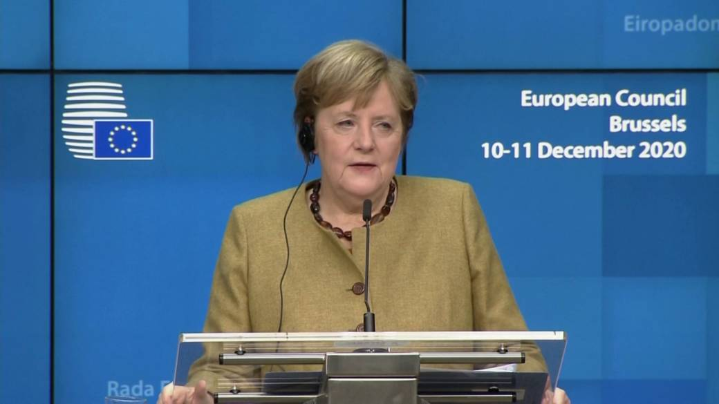 Click to play video 'Coronavirus: EU agrees vaccines should arrive simultaneously in member states, Merkel says'