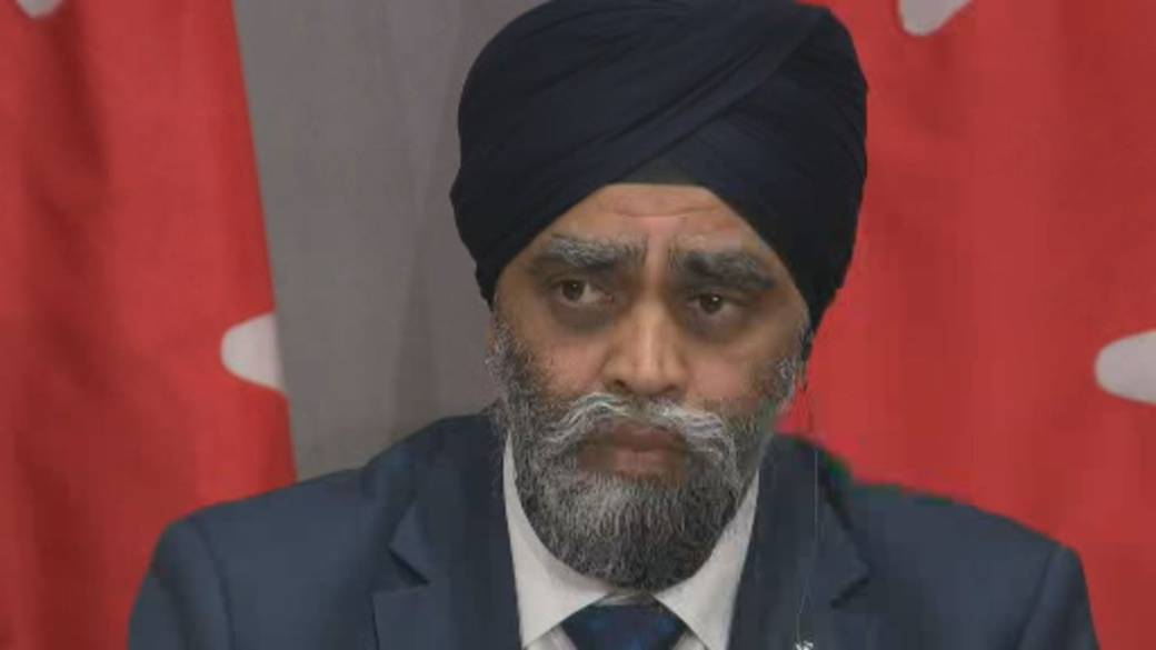 Click to play video: 'Military watchdog's testimony contradicts defence minister'
