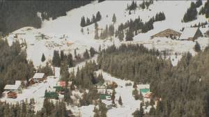 Hundreds airlifted off B.C. mountain​ resort after landslide