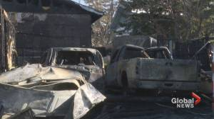 Calgary couple escapes house fire thanks to neighbours (01:43)