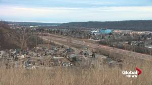 Fort McMurray residents struggle with high COVID-19 case numbers (02:05)