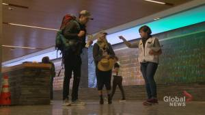 Alberta health officials now stationed at international arrivals at Calgary airport (01:56)