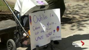 Parents and early childhood educators demonstrate against Quebec's childcare shortage (01:57)