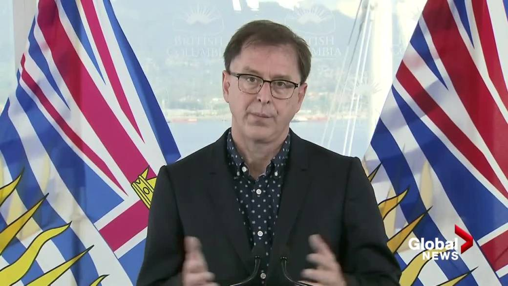 Click to play video: 'Health Minister Adrian Dix holds impromptu news conference'
