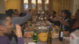 Coronavirus: Legault cancels Christmas celebrations ahead of schedule (02:30)