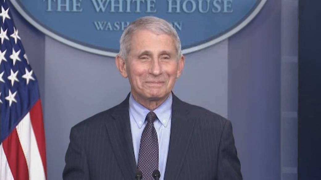 Click to play video 'Fauci compares Trump to Biden administration, says it's 'liberating' to let science speak'