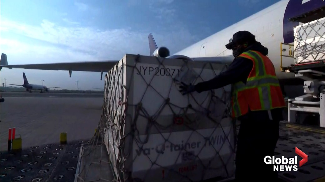 Click to play video: 'Moderna COVID-19 vaccine shipment arrives at Toronto's Pearson Airport'
