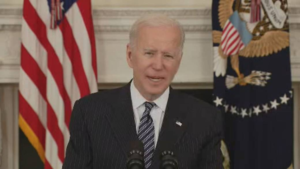 Click to play video: 'Biden says over 80% of teachers, school staff received at least one COVID-19 shot'