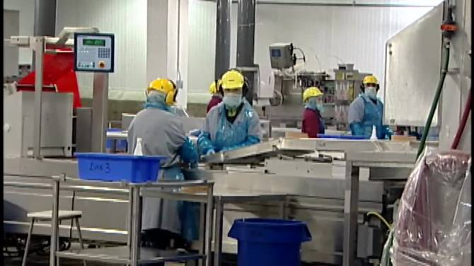 Click to play video: Essential workers call for vaccine prioritization changes