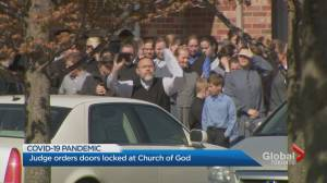 COVID-19: Sheriffs put locks on doors of Church of God in Aylmer, Ont. (02:04)